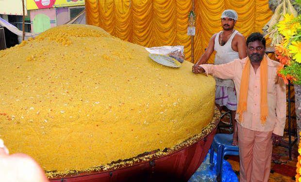 BIGGEST LADDU ( INDIAN TRADITIONAL SWEET )